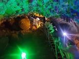 カラフルな洞窟