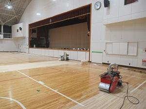 体育館床修繕2