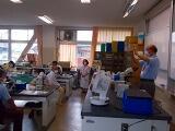 生物分野の川島教諭